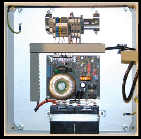 KUGV24/2/2,5- Gehäuse in Sonderausführung mit zusätzlicher Instrumentierung!